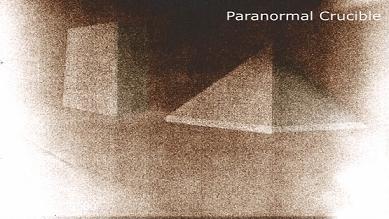 Пирамиди  и монолитни конструкции на Луната, заснети от НАСА? (видео)