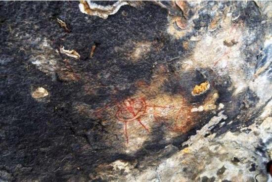 rock-paintings-depicting-UFOs-chhattisgarh-india