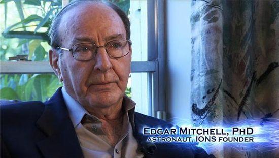 """""""Лунният"""" астронавт Едгар Мичъл: """"Извънземни спасиха Земята от ядрена война"""""""