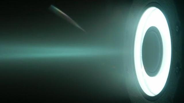 """""""Невъзможният"""" двигател все пак работи: До Луната само за четири часа"""