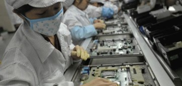 160525171548_foxconn_workers_640x360_getty_nocredit