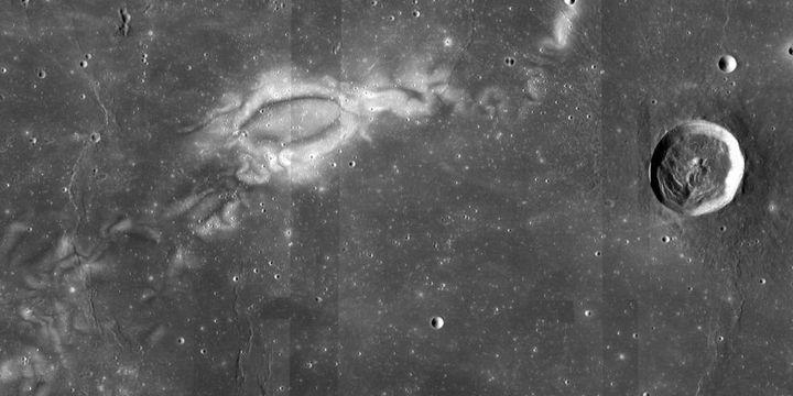 Странни структури на Луната озадачиха учените