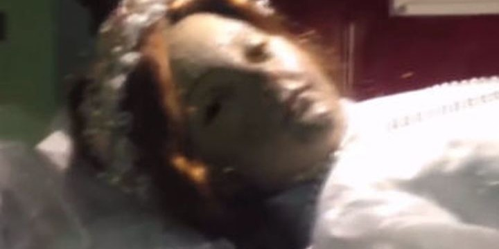 Мумия на 300 години  отвори очи в мексикански храм (видео)