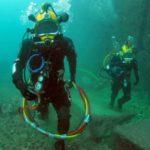 Спецчасти  се сражават под водата с триметрови извънземни (видео)
