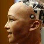 """Роботът """"София"""" обяви в  ООН, че обещава да унищожи човечеството"""