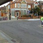 Загадки: Огромно парче лед падна в Лондон от небето (видео)