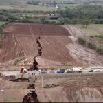 Земята се напуква: В Кения се появи огромна пукнатина!  (видео)