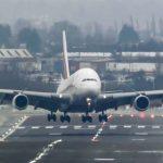 Екстремно: Кошмарно приземяване по време на буря на най-големия самолет в света A380-800 (видео)