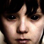 Зловещите деца с напълно черни очи могат да са  извънземни!