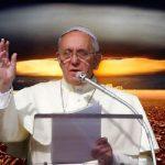 """Конспирации: Папа Франциск ще направи изявление. """"Това лято ще бъде последното лято за човечеството!"""""""