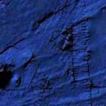 Огромна пирамида пълзи по дъното на океана (видео)