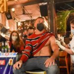 Ваксинираш се и получаваш безплатна напитка в бар в Тел Авив