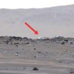 Камерата на марсохода Perseverance засне мистериозни обекти (видео)